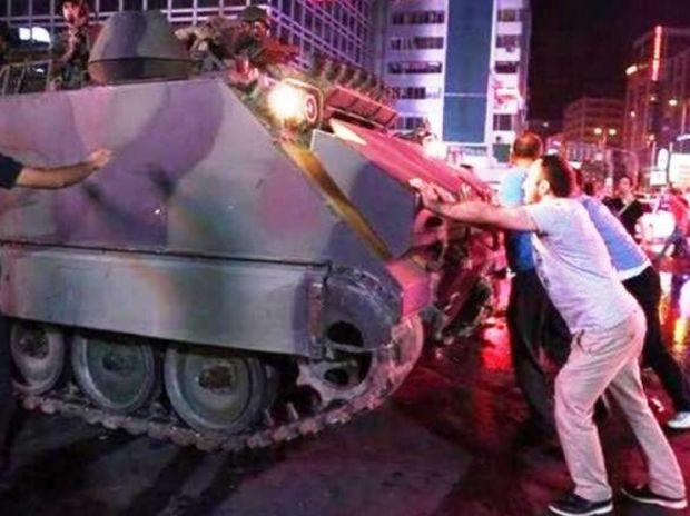Τουρκία: Διάσημοι αστέρες στη δίνη του πραξικοπήματος
