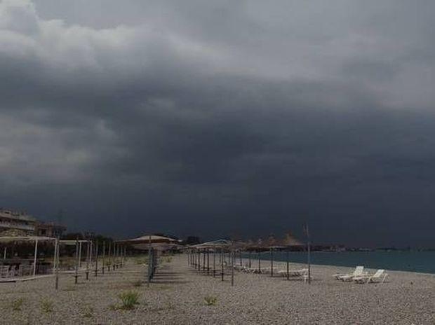 Ραγδαία επιδείνωση του καιρού με χαλάζι, καταιγίδες και ισχυρούς άνεμους (photo)