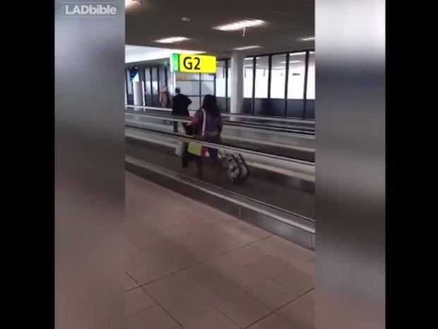 Όταν δεν έχεις ιδέα πώς λειτουργεί ο κυλιόμενος διάδρομος στο αεροδρόμιο (video)