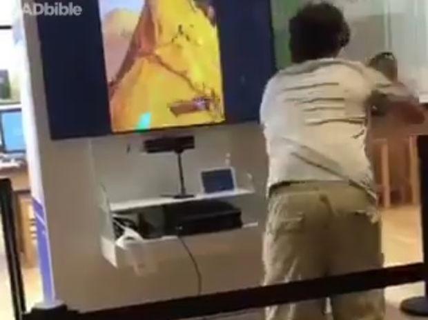 Όταν η εικονική πραγματικότητα μοιάζει τόσο αληθινή που γίνεται επικίνδυνη! (video)
