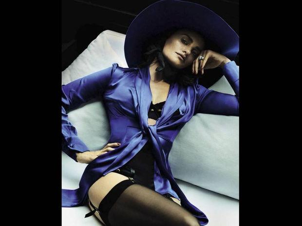 Καμία Λετίσια. Η Πενέλοπε Κρουζ είναι η βασίλισσα της Ισπανίας για τη Vogue