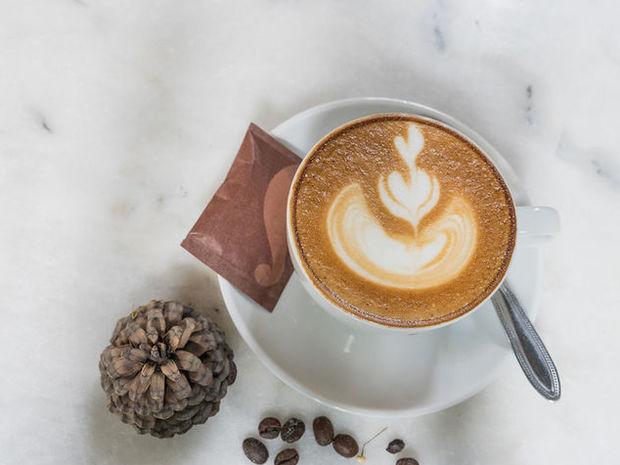 Καφές, αλκοόλ, σοκολάτα: Σε ποια ποσότητα… σκοτώνουν