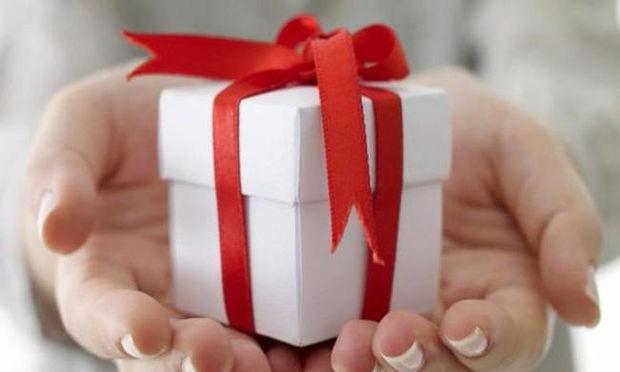Κρατάει εδώ και 47 χρόνια κλειστό το χριστουγεννιάτικο δώρο της πρώην του (photo)