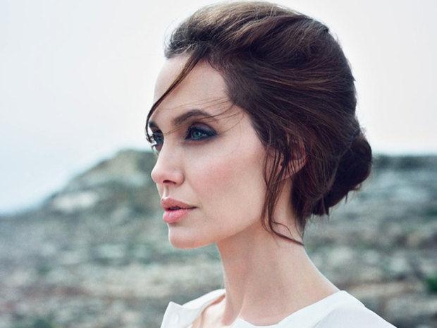 So chic! Η Angelina Jolie έκανε μια εμφάνιση που δεν περίμενες με τίποτα
