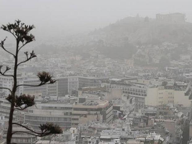 Καιρός: Αφρικανική σκόνη και τοπικές καταιγίδες