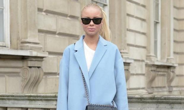 To παλτό που θα φοράμε όλες την άνοιξη πρέπει να είναι σε αυτή την απόχρωση