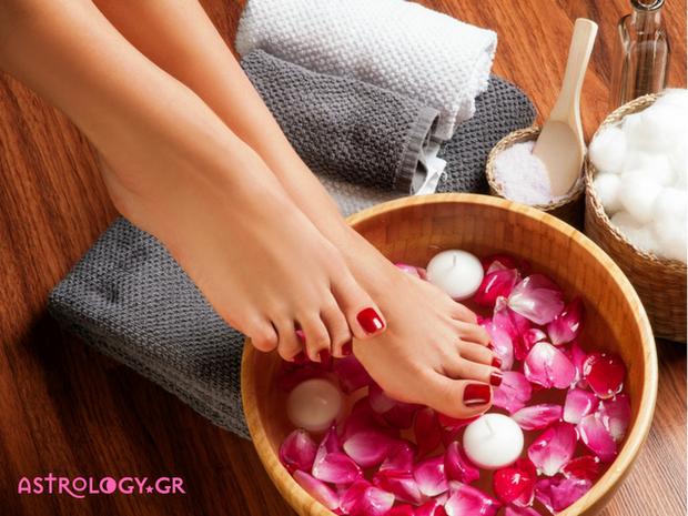 Τι φανερώνουν τα πόδια σου για την ερωτική σου ζωή;
