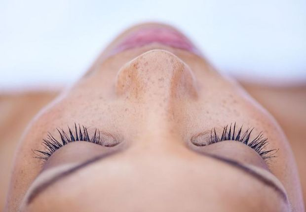 Eyelashes extensions: Όλα όσα πρέπει να ξέρεις για τις μόνιμες ψεύτικες βλεφαρίδες