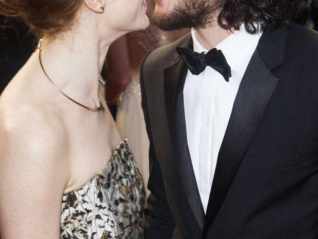 Ο κούκλος ηθοποιός του Game of Thrones παντρεύεται και μόλις μάθαμε την ημερομηνία του γάμου