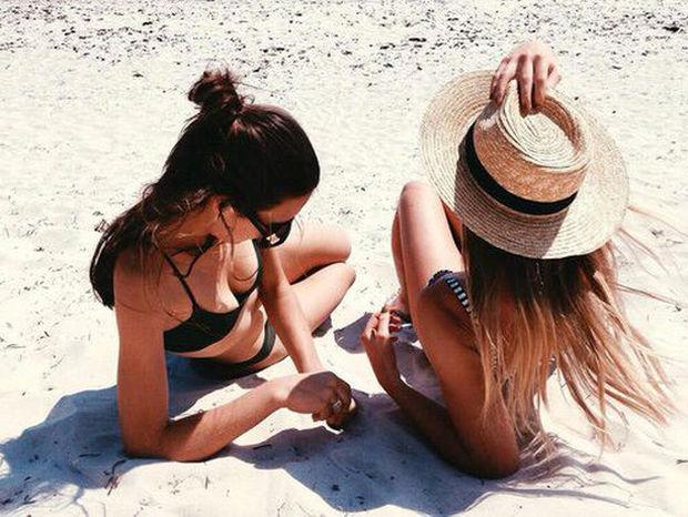 To καλοκαίρι σε βρίσκει single; 5 λόγοι που θα πρέπει να χαίρεσαι γι' αυτό