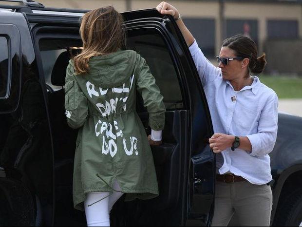 Melania Trump: Φόρεσε το πιο λάθος ρούχο για επίσκεψη σε κέντρο κράτησης παιδιών