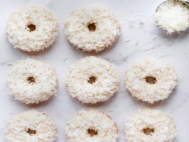 Donuts φούρνου με άρωμα καρύδας