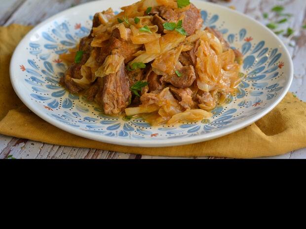 Χοιρινό με λάχανο. Δείτε την συνταγή του Γιώργου Τσούλη