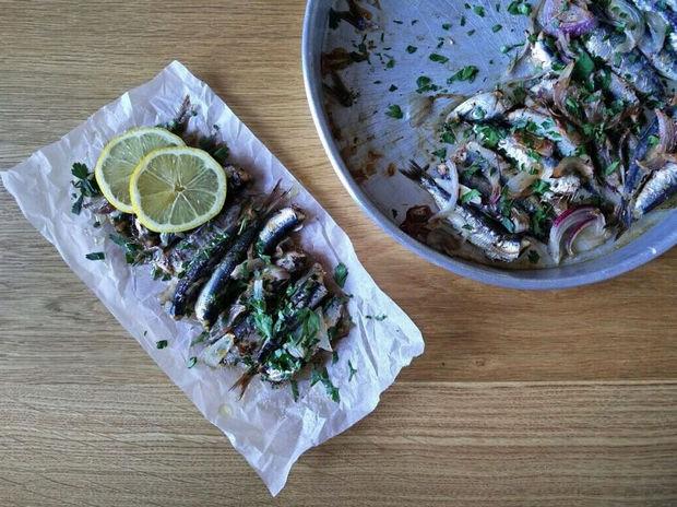Η πρόταση του Γιώργου Τσούλη: Σαρδέλες φούρνου με λαδορίγανη