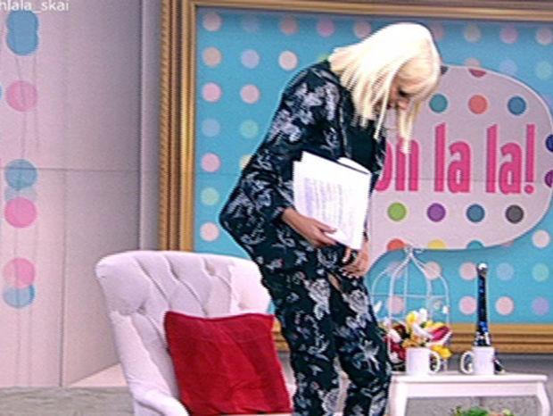 Σκίστηκε το παντελόνι της Σταμάτη την ώρα της εκπομπή της! Πώς αντέδρασε η παρουσιάστρια;