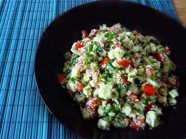 Σαλάτα ταμπουλέ με κινόα