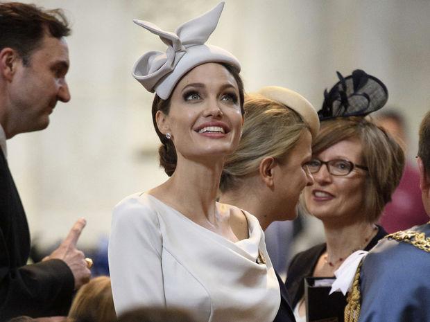 Ξανά μαμά η Angelina Jolie;