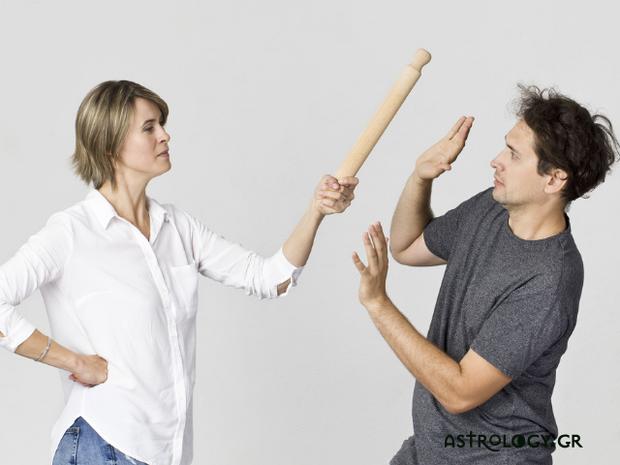 Astroquiz: Ποιο ζώδιο το παίζει μάγκας αλλά είναι ο μεγαλύτερος... «παντοφλάκιας»;