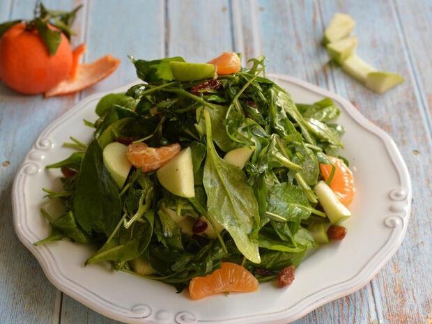 Πράσινη σαλάτα με μανταρίνι