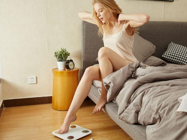 Να πόσα κιλά πρέπει να αφαιρείς αν ζυγίζεσαι με τα ρούχα σου