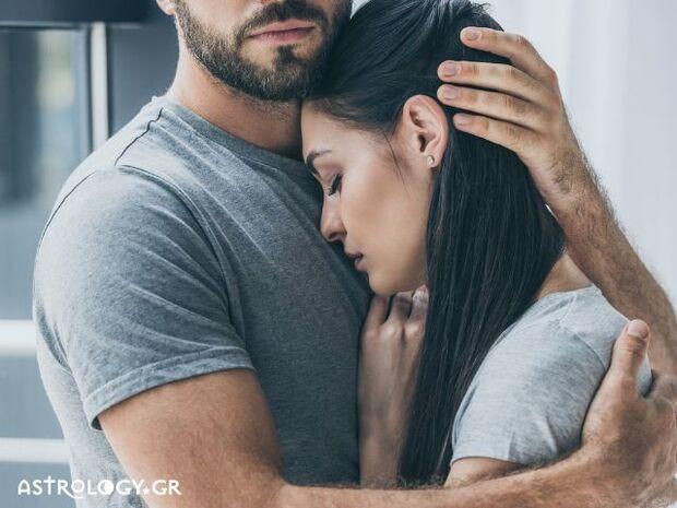 Ονειροκρίτης: Είδες στο όνειρό σου ότι σε έχουν αγκαλιά;