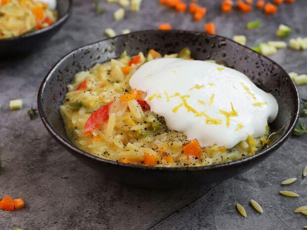 Κριθαρότο με λαχανικά και μους φέτας