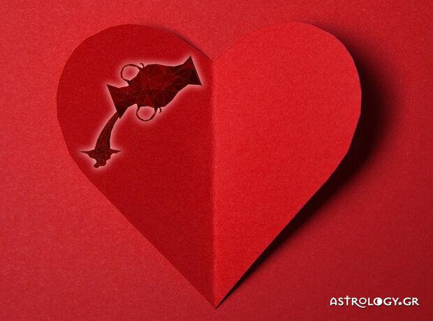 Υδροχόε, τι δείχνουν τα άστρα για τα ερωτικά σου την εβδομάδα 26/08 έως 01/09