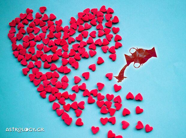 Υδροχόε, τι δείχνουν τα άστρα για τα ερωτικά σου την εβδομάδα 23/09 έως 29/09