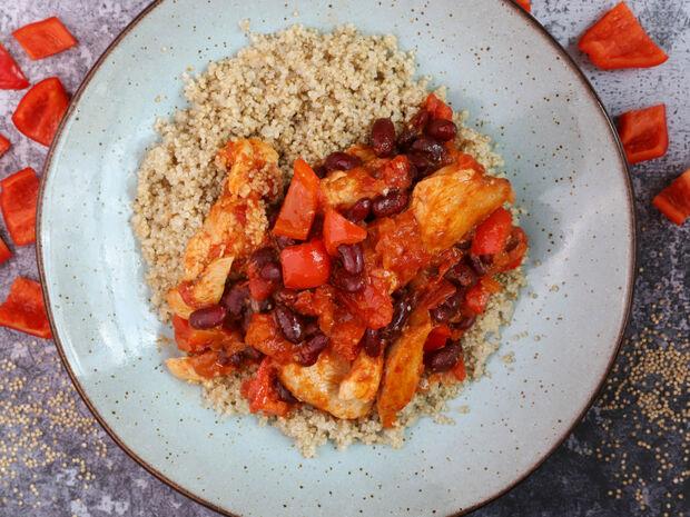 Η συνταγή της ημέρας: Κοτόπουλο κοκκινιστό με κινόα