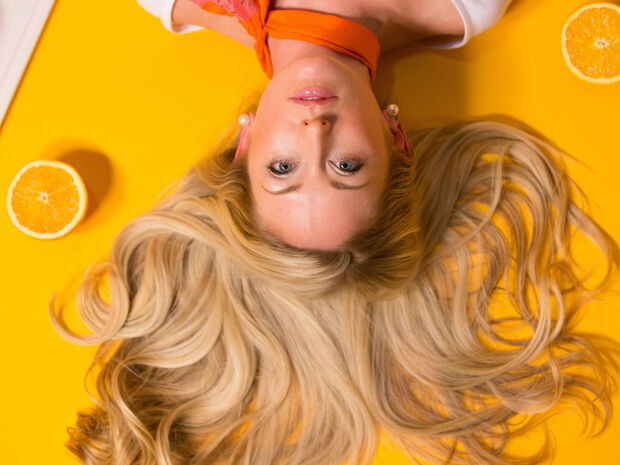 6 τρόποι για να μακρύνουν τα μαλλιά σου πιο γρήγορα