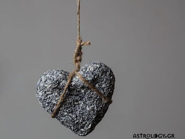 Ψήφισε και πες μας: Ποιο ζώδιο έχει καρδιά από… πέτρα;