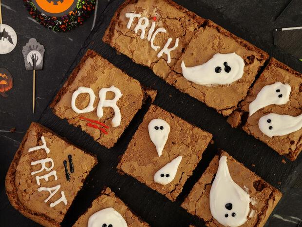 Halloween brownies με φυστικοβούτυρο