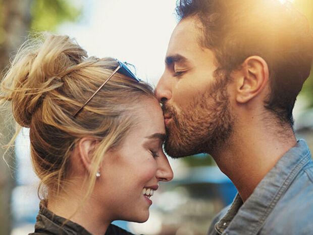 Ποια είναι τα ζώδια που ταιριάζουν απόλυτα ερωτικά;