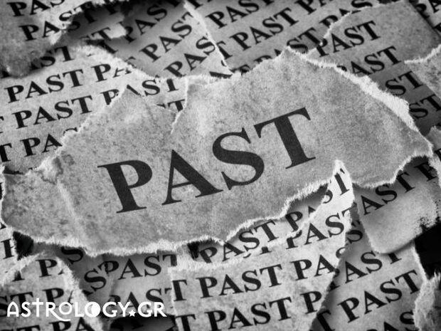 Ζώδια Σήμερα 17/11: Τα «δεσμά» του παρελθόντος