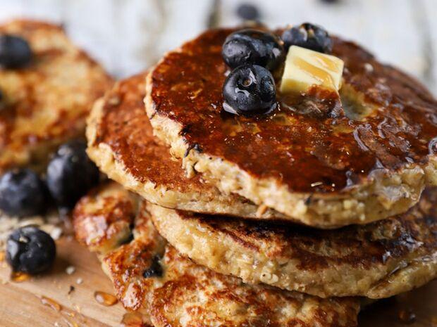 Συνταγή για γρήγορες τηγανίτες με blueberries από τον Γιώργο Τσούλη
