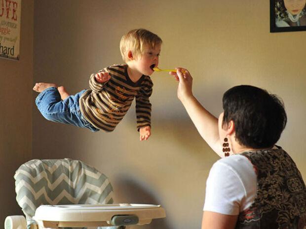 Μπαμπάς φωτογραφίζει τον γιο του που έχει σύνδρομο Down με τον πιο απίθανο τρόπο (pics)
