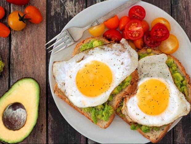 Πώς προτιμούν να μαγειρεύουν τα αυγά τους τα ανδρικά ζώδια;