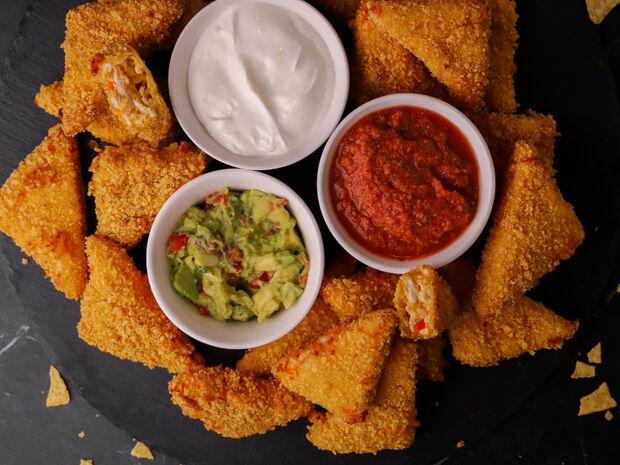 Συνταγή για τραγανές μπουκίτσες κοτόπουλου παναρισμένες με nachos από τον Γιώργο Τσούλη