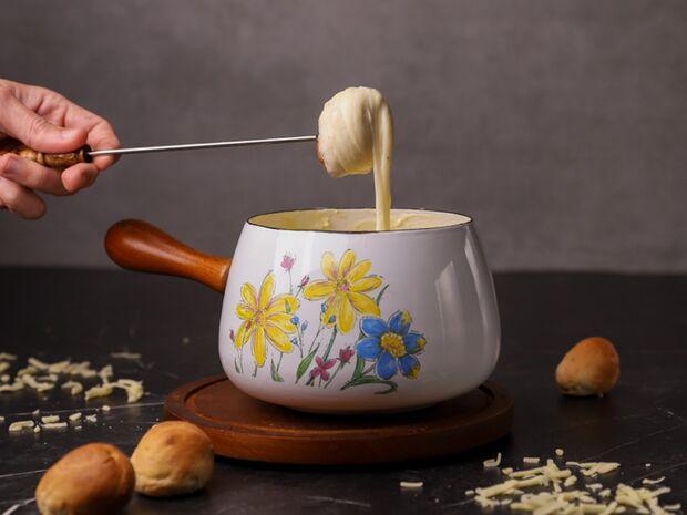 Φοντύ (fondue) τυριών