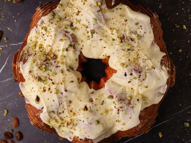 Συνταγή για κέικ με αποξηραμένα φρούτα από τον Γιώργο Τσούλη