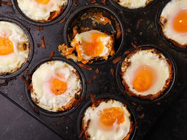 Συνταγή για φωλιές από πατάτα γεμιστές με αυγό από τον Γιώργο Τσούλη