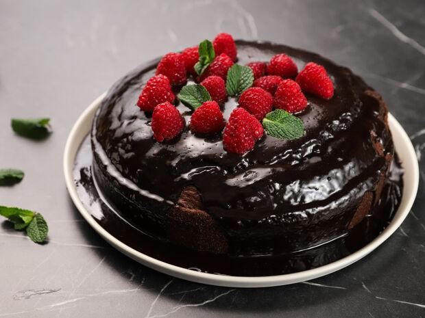 Σοκολατένιο κέικ με raspberries από τον Γιώργο Τσούλη