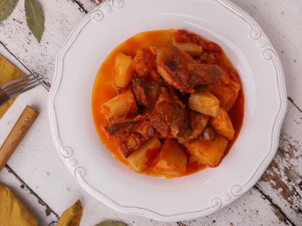 Κατσικάκι με πατάτες στην κατσαρόλα (Πατατάδο) από τον Γιώργο Τσούλη
