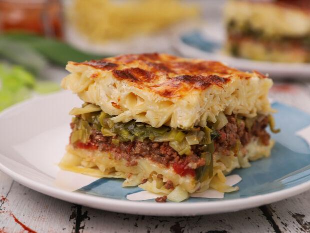 Συνταγή για παστίτσιο με κιμά, πράσο και χυλοπίτες από τον Γιώργο Τσούλη