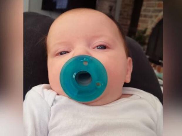 Μωρά & πιπίλα: Μία σχέση αγάπης μέσα από ένα ξεκαρδιστικό βίντεο (vid)