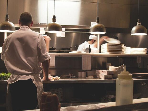 Σοκ: Πέθανε διάσημος σεφ από κορονοϊό (photos)