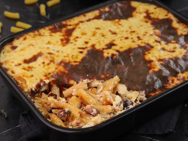 Ριγκατόνι με χωριάτικο λουκάνικο στο φούρνο από τον Γιώργο Τσούλη