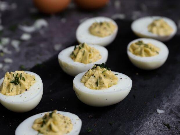Γεμιστά αυγά από τον Γιώργο Τσούλη