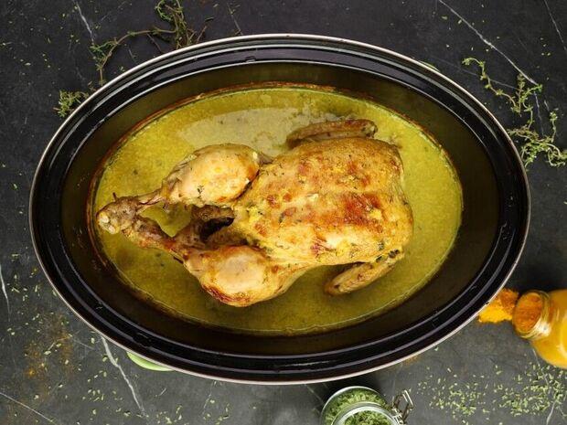 Κοτόπουλο στη γάστρα με γάλα και φασκόμηλο του Γιώργου Τσούλη