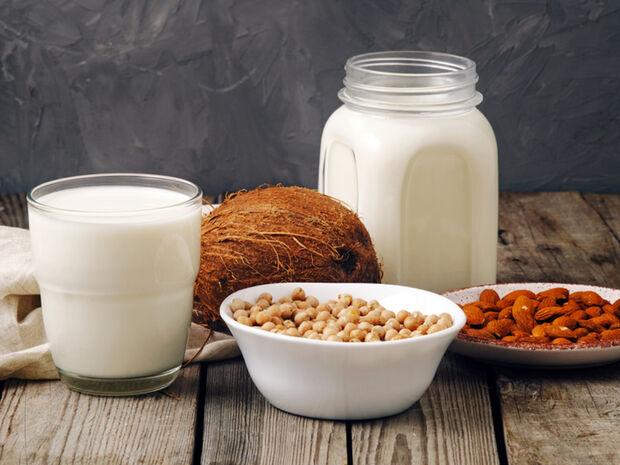 Δυσανεξία / ευαισθησία στη λακτόζη: 5 φυτικές εναλλακτικές γάλακτος (εικόνες)